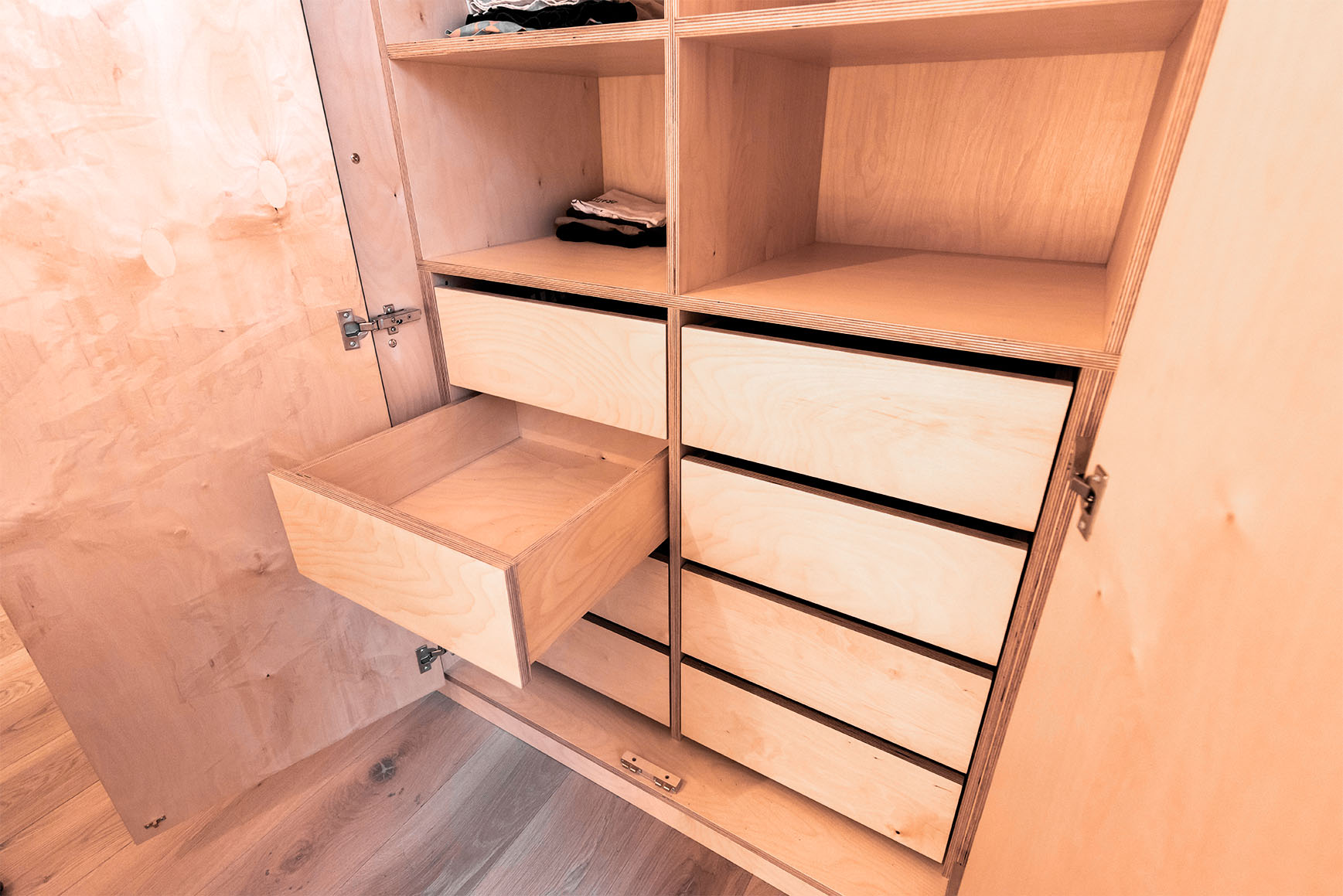 Barony apartment bespoke wardrobe created by Edinburgh Woodwork